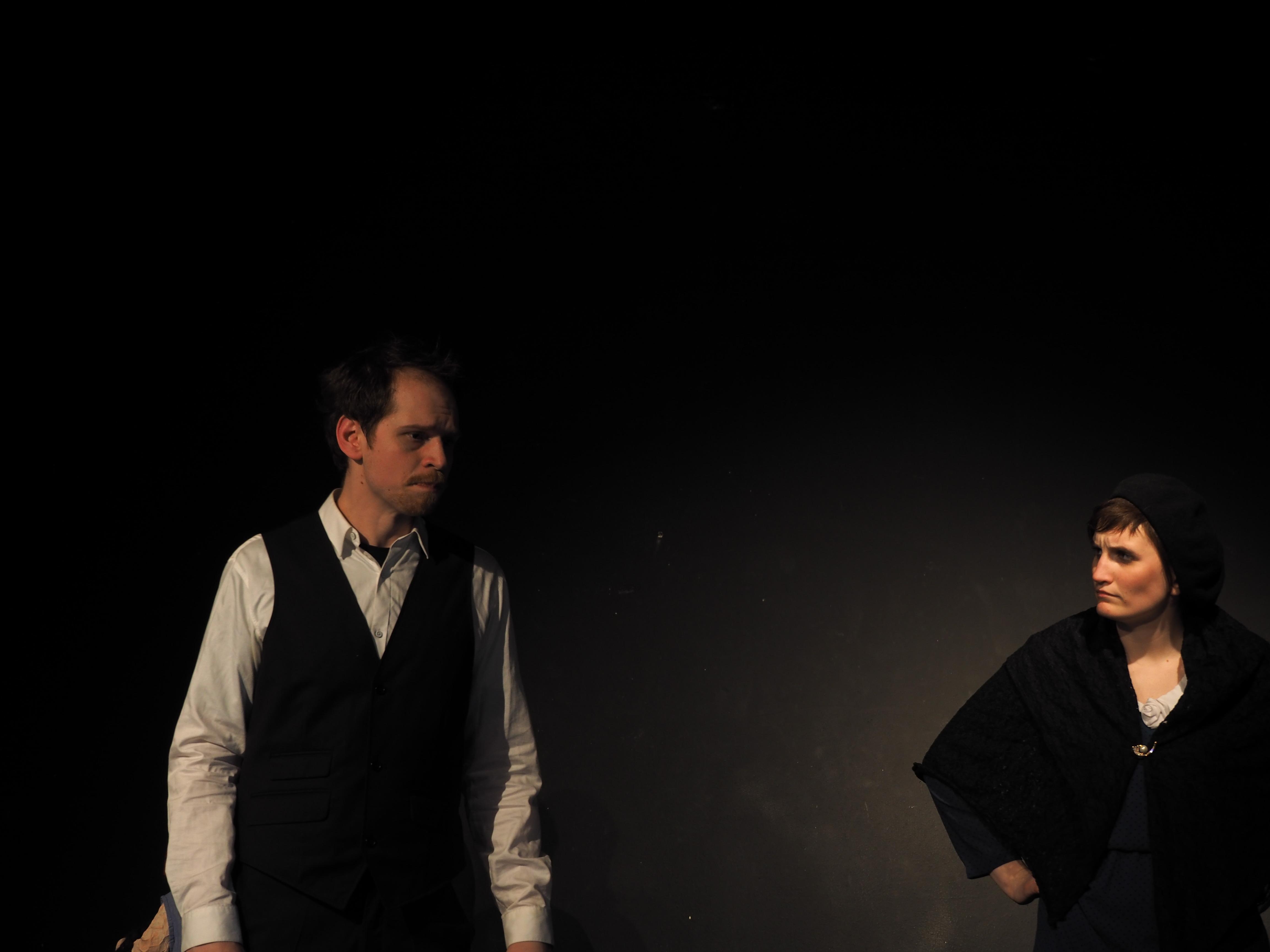 """Der Vater mit der Stieftochter in """"6 Personen suchen einen Autor"""" von Luigi Pirandello"""