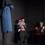"""Die Mutter mit einem Kind und die Stieftochter in """"6 Personen suchen einen Autor"""" von Luigi Pirandello"""