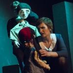 """Madame Pace und die Stieftochter mit den beiden Kindernin """"6 Personen suchen einen Autor"""" von Luigi Pirandello"""